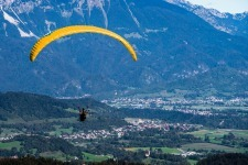 Tandem Paragliding with Scenery of Karavanke mountains