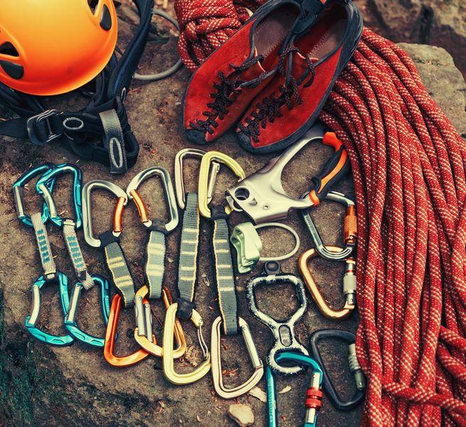 Rock climbing equipment set
