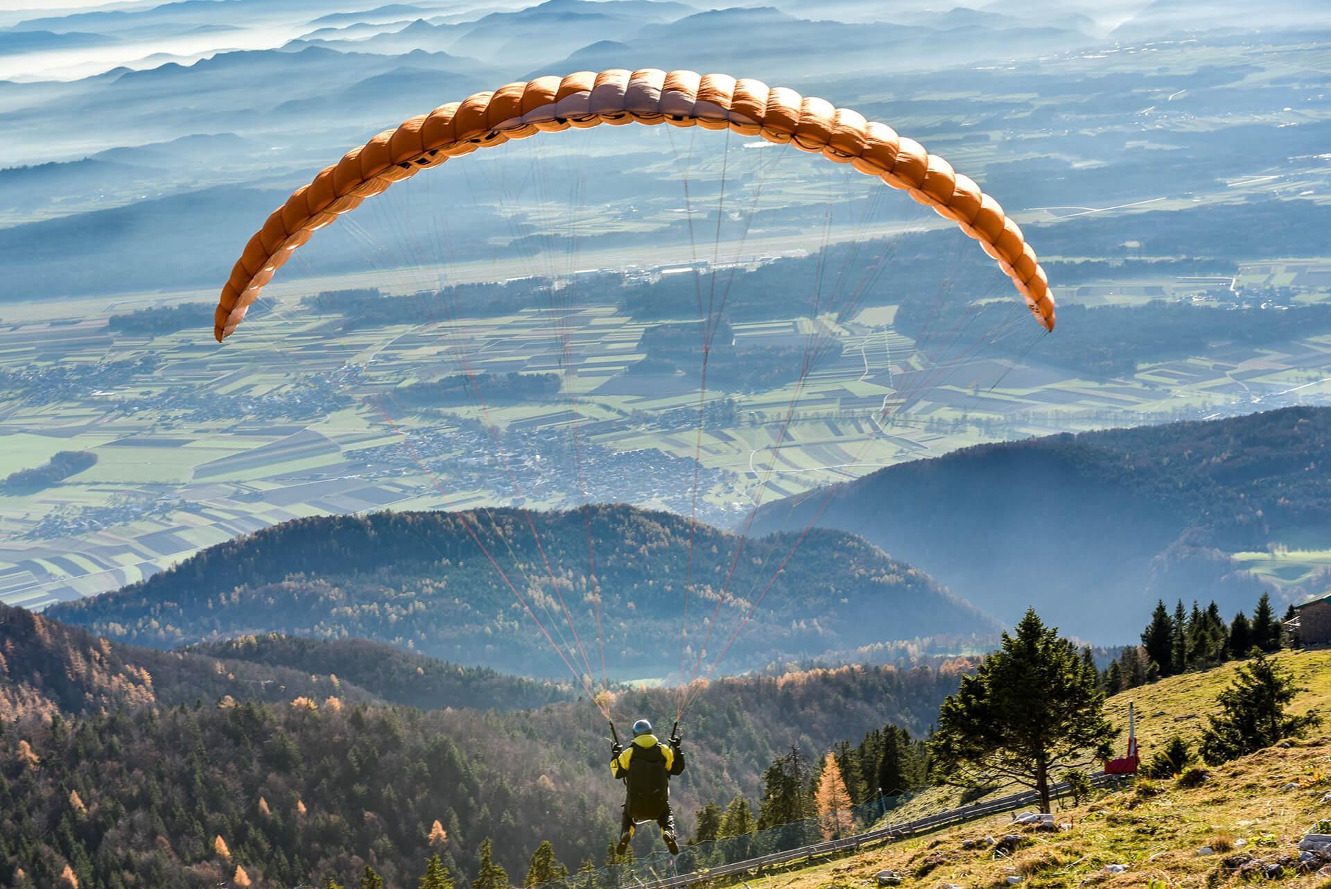 Tandem paragliding in Slovenian Alps